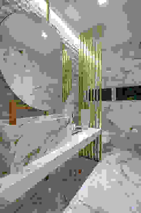 dayala+rafael arquitetura Modern bathroom