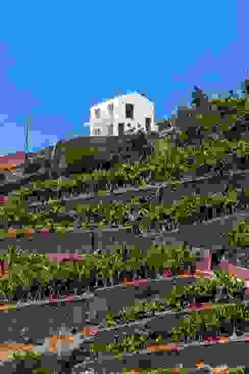 Enquadramento na paisagem por AA.Arquitectos Eclético Betão armado