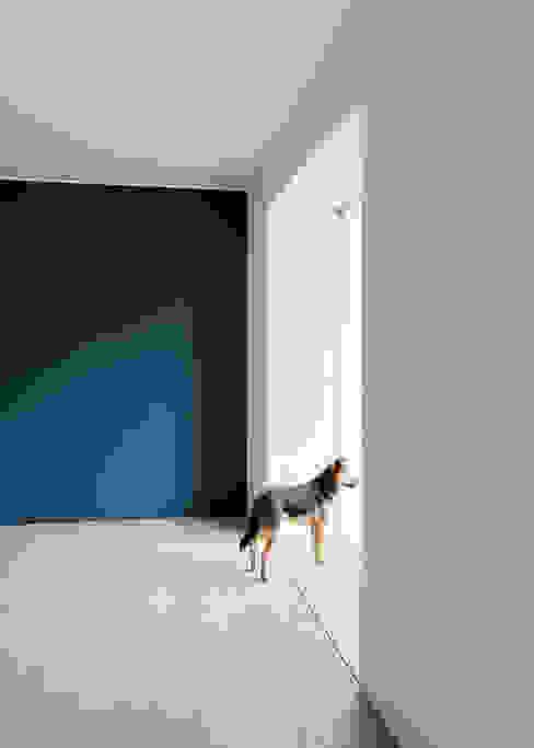 Fenster Essbereich Steffen Wurster Freier Architekt Minimalistische Esszimmer Massivholz Blau