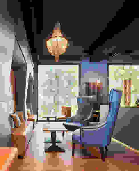 Sitzbereich mit Nischen Steffen Wurster Freier Architekt Moderne Bars & Clubs Blau