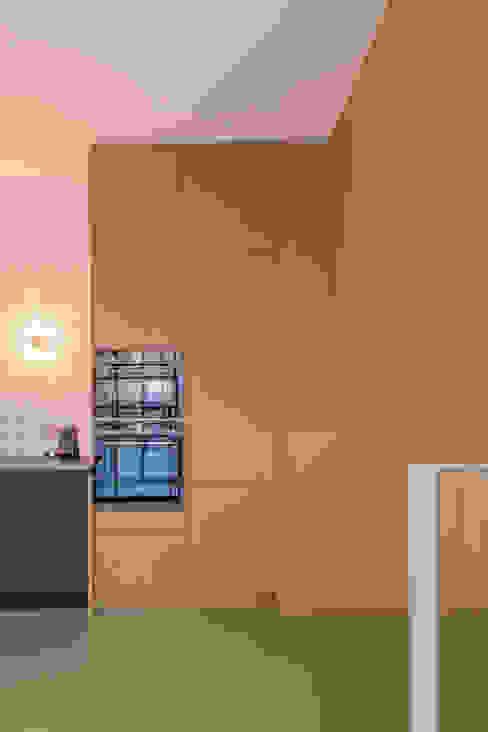 Appartement IJburg,  Amsterdam: modern  door ÈMCÉ interior architecture, Modern Hout Hout