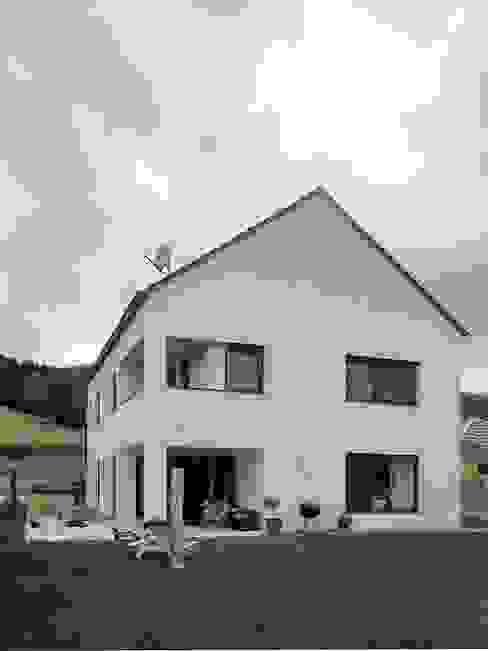 Südostfassade von archipur Architekten aus Wien Modern Ziegel