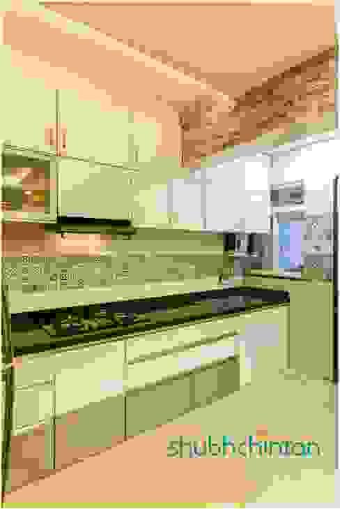 kitchen platform: modern  by Shubhchintan Design possibilities,Modern Wood-Plastic Composite