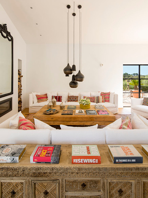 INSPIRATION BY NATURE Bconnected Architecture & Interior Design Salones de estilo moderno