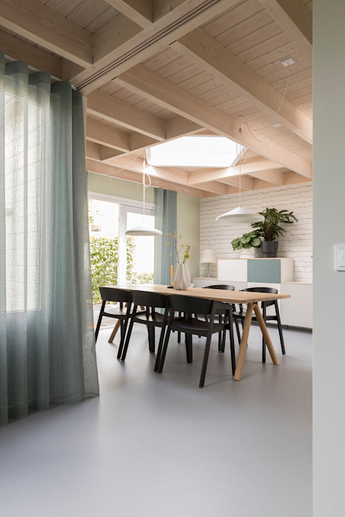 ontwerp eetkamer voor duurzaam houten huis PURE styling Scandinavische eetkamers Hout Groen