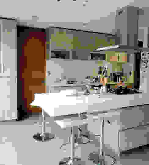 Cocina obra nueva de Martin Rojas Arquitectos Asoc. Moderno