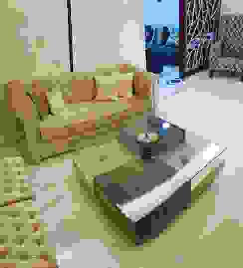 Sofa and center table: asian  by Esthetics Interior,Asian