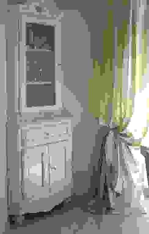 Mobile ad angolo, angoliera stile provenzale con vetrina Mobili a Colori Sala da pranzo in stile mediterraneo Legno Bianco