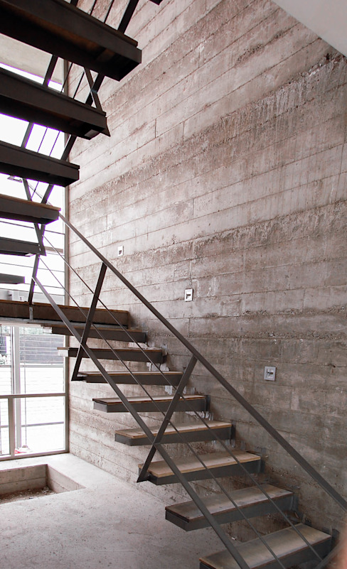 Escaleras en proceso de construcción Arquitectura Avanzada Escaleras Concreto reforzado Gris