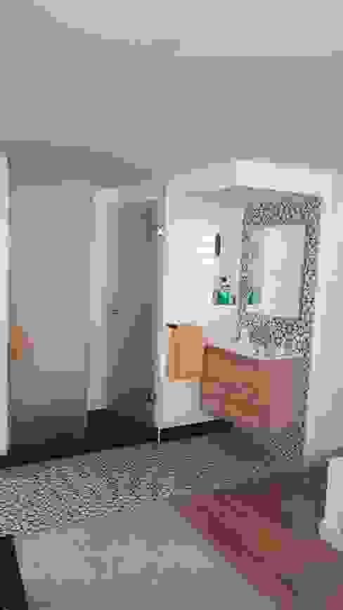 baño integrado de O. R. Group