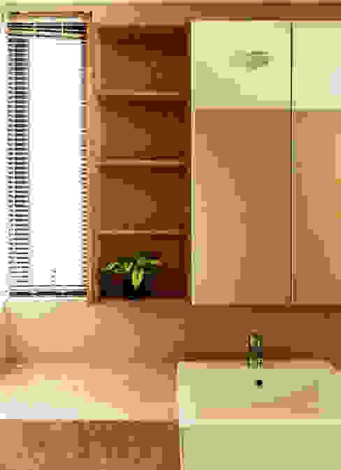MZH Design Modern bathroom