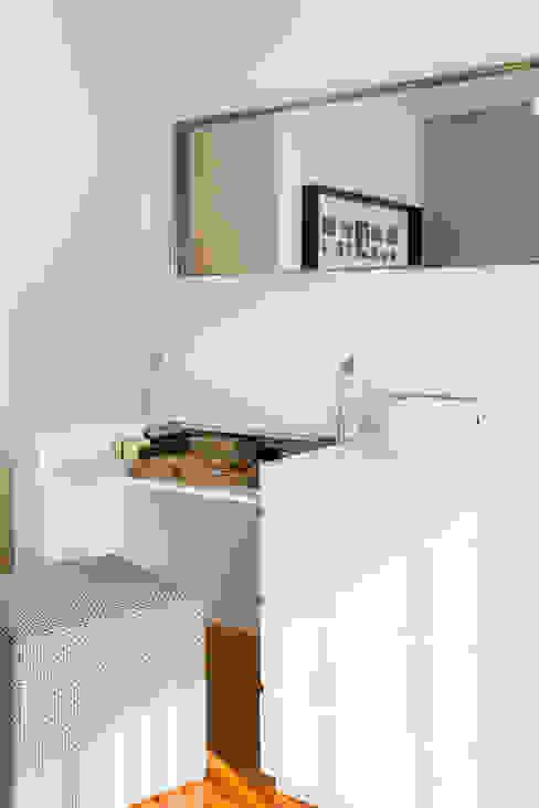 Traço Magenta - Design de Interiores Minimalist bedroom
