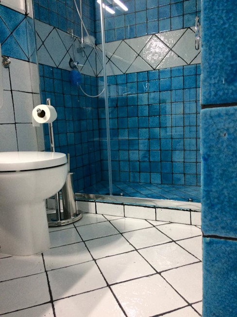 keramos design Baños de estilo moderno Cerámico Azul