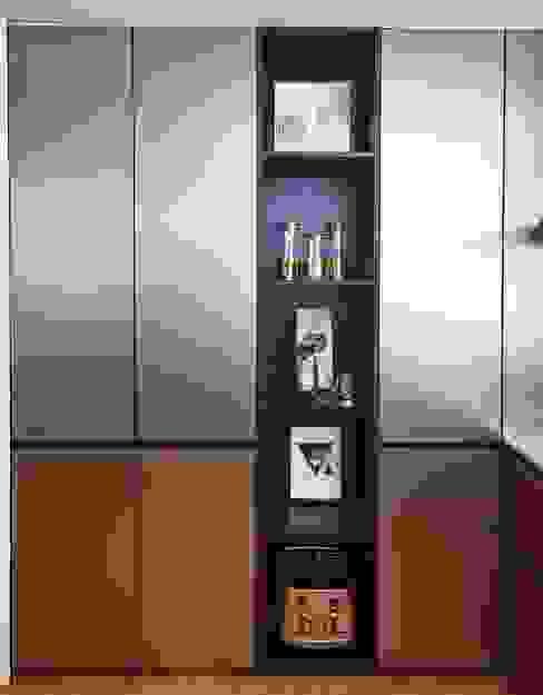 ASCENDA RESIDENCE BOLDNDOT SDN BHD Modern style kitchen Amber/Gold