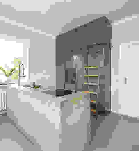 Küchenplanung Lena Klanten Architektin Minimalistische Küchen Metall Grün
