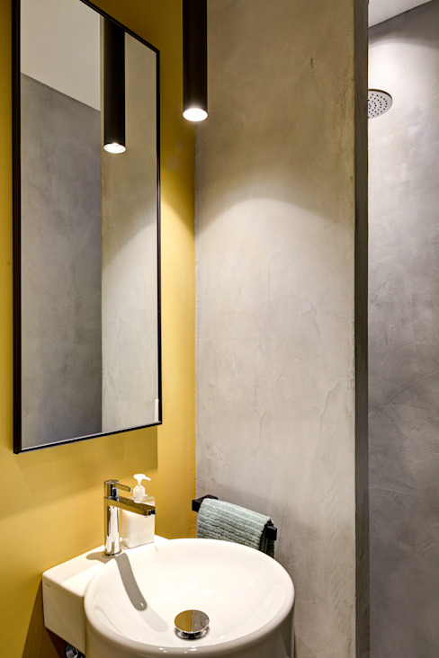 Matteo Magnabosco Architetto Minimalist bathroom Concrete Yellow