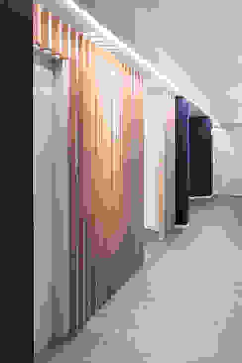 separè in legno ASSONOMETRIA Cliniche moderne Legno Effetto legno