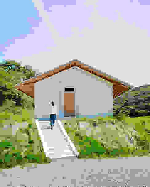はらぱ2(住宅)外観 おかやま設計室 北欧風 家 金属 白色