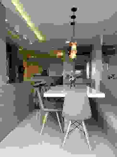 Apartamento em Joinville Salas de jantar modernas por Larissa Minatti Interiores Moderno
