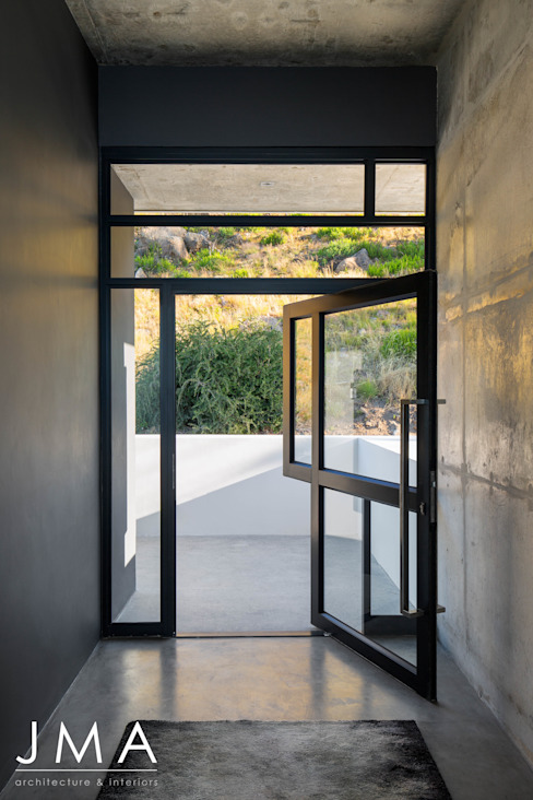 Pool Penthouse - Entrance Jenny Mills Architects Modern Corridor, Hallway and Staircase