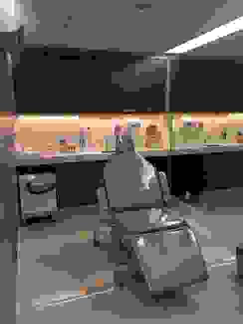 Sala de procedimentos Clínicas modernas por Marcelle de Castro - arquitetura|interiores Moderno