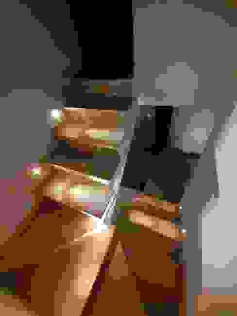 Intervento di Interior Design_Scale & Luce Gilardi Interiors on Staging Scale Piastrelle Beige
