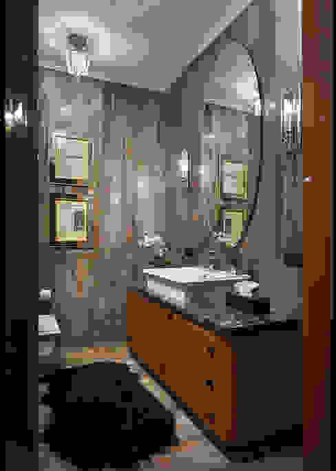 American classics in Kiev from Yury Zimenko Design Studio Classic style bathroom by Design Studio Yuriy Zimenko Classic Wood Wood effect