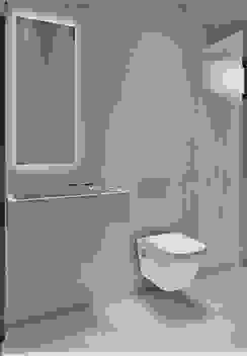 Condominio Quinta da Bela Vista Banheiros minimalistas por D arquitetura Minimalista