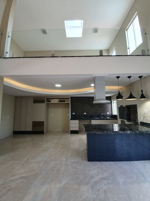 Sobrado em condomínio horizontal Cozinhas modernas por Monteiro arquitetura e interiores Moderno