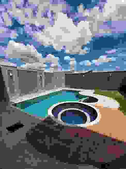 Piscina Piscinas modernas por Monteiro arquitetura e interiores Moderno