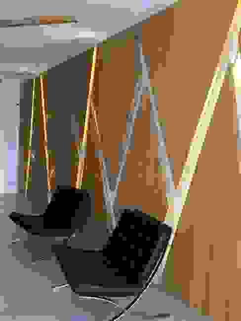 Recepcion Edificio Novaterra Vetas · Diseño Mobiliario Livings de estilo moderno Madera Acabado en madera