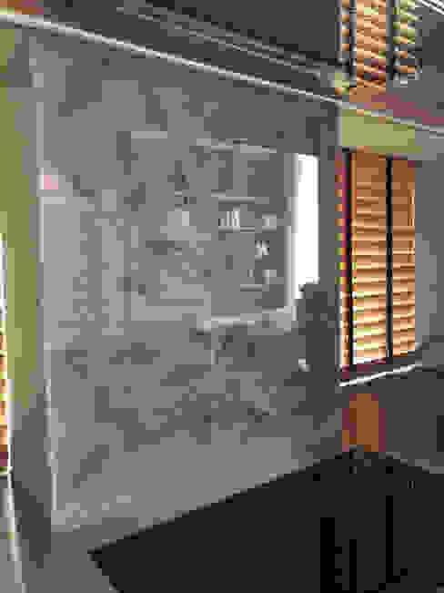 Nischenrückwand Adiantum Moderne Esszimmer von Bernhard Preis - Interior Design aus der Region Tegernsee Modern