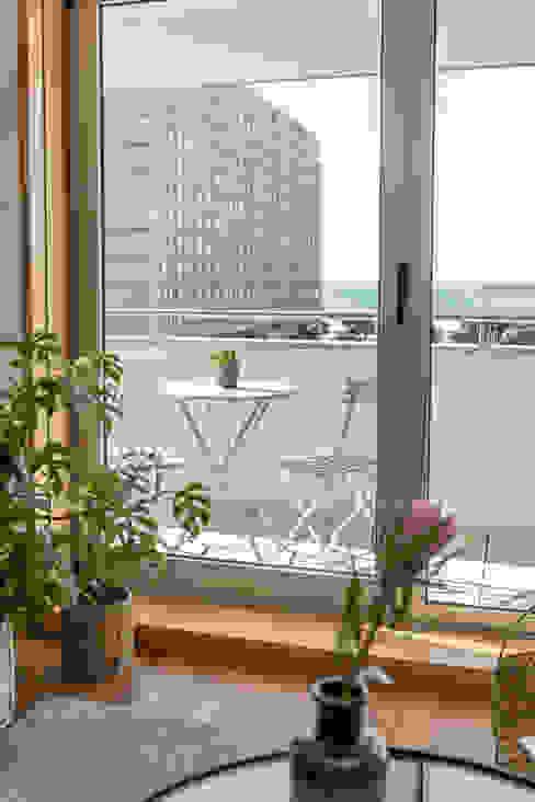 ShiStudio Interior Design Balcón