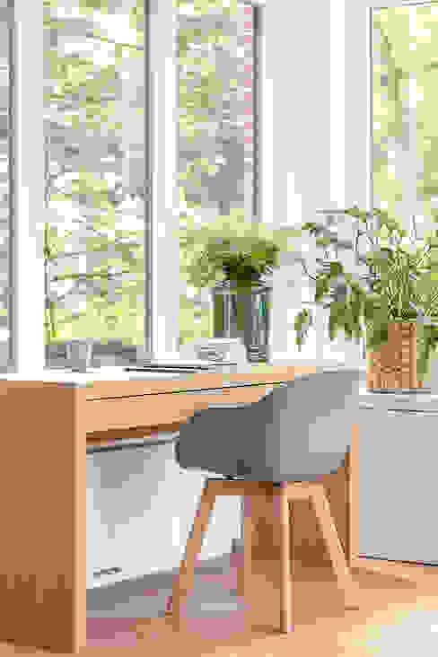 Transformatie van kantoor naar woonhuis Kraal architecten Moderne studeerkamer