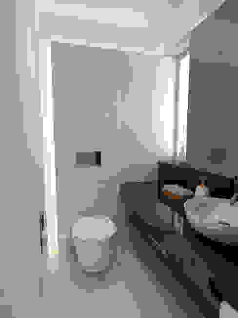 3D Instalação sanitária social Casas de banho modernas por The Spacealist - Arquitectura e Interiores Moderno Cerâmica