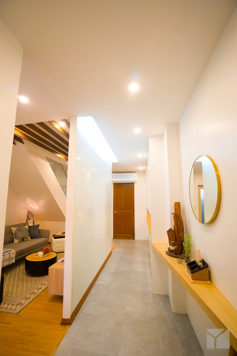 Urban Hospitality Modern Corridor, Hallway and Staircase by Hayen Interiors Modern