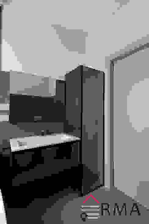 RMA srl - Ristrutturazioni da ManuAle Modern bathroom