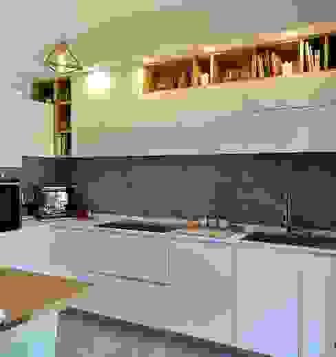 Cucina Lavorazione Artistica Legno s.r.l.s Cucina attrezzata Legno Bianco