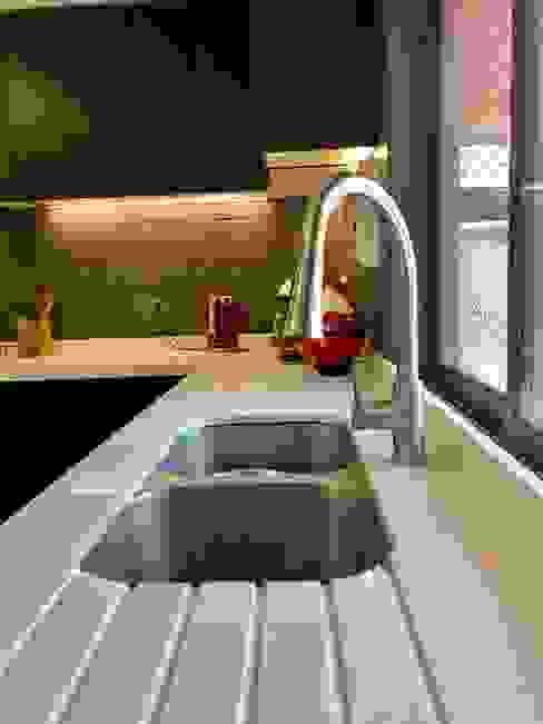 Vista 1 Cocinas de estilo moderno de balConcept SpA Moderno