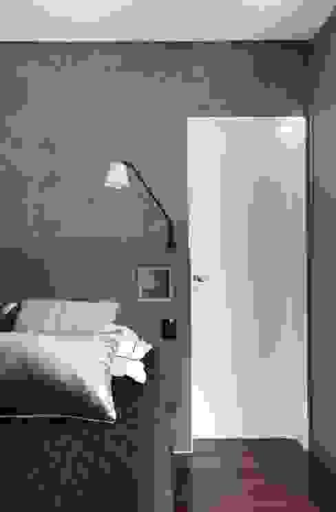 Suíte Casal INSIDE ARQUITETURA E DESIGN Quartos minimalistas