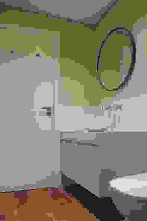Banheiro suite daniela kuhn arquitetura Banheiros modernos