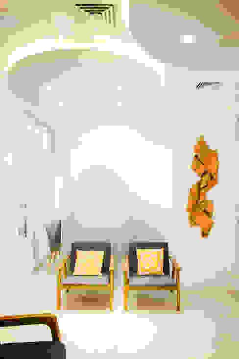 Sala de espera Clínicas ecléticas por C2HA Arquitetos Eclético