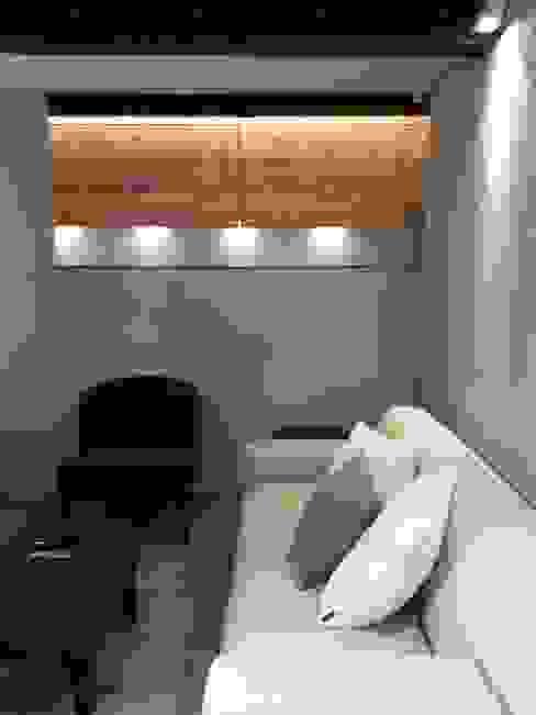 soggiorno Miria Uras architettura & design Soggiorno moderno Cemento Grigio