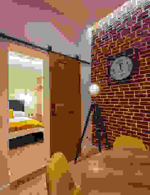 Puerta granero Puertas de estilo clásico de WINK GROUP Clásico Madera Acabado en madera