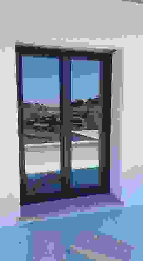 DSG ALUMÍNIOS, LDA. Classic windows & doors Aluminium/Zinc