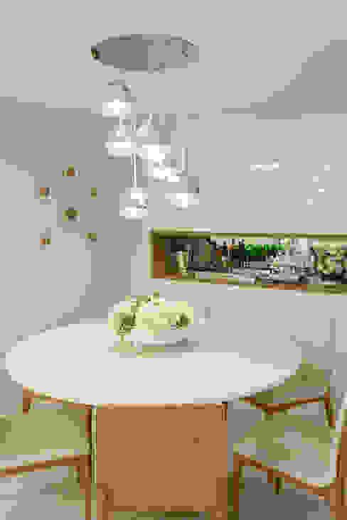 Sala de estar Integrada com Jantar Salas de jantar modernas por Rubiana teixeira Barbosa ME Moderno