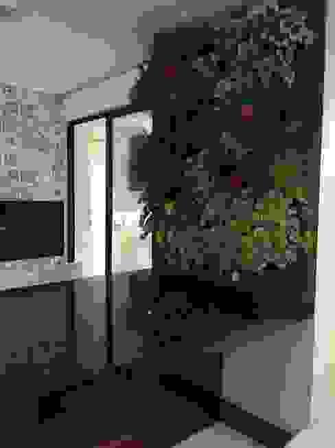 Rubiana teixeira Barbosa ME Modern style gardens Granite Blue