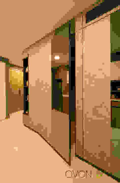 Ovon Design Modern style bathrooms