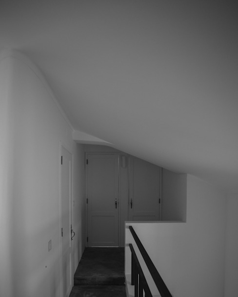 Hall dos quartos goodmood - Soluções de Habitação Corredores, halls e escadas minimalistas Betão Branco