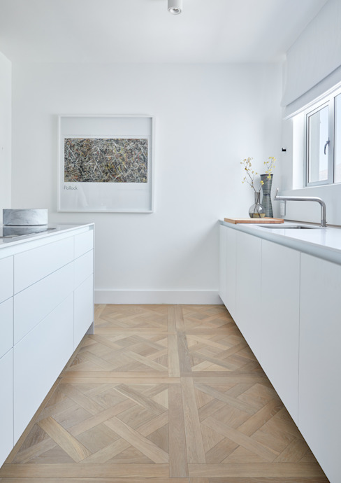 Minimalistic Kitchen Oggie Flooring Small kitchens Solid Wood Yellow